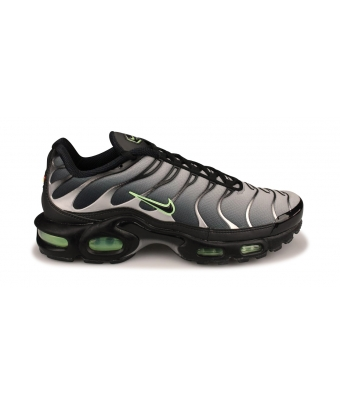 NIKE AIR MAX PLUS NOIR CZ7552-001