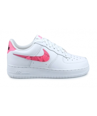 WMNS NIKE AIR FORCE 1'07 SE BLANC LOVE FOR ALL CV8482-100