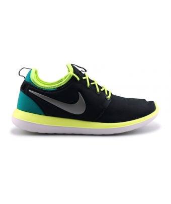 NIKE ROSHE TWO JUNIOR NOIR 844653-003