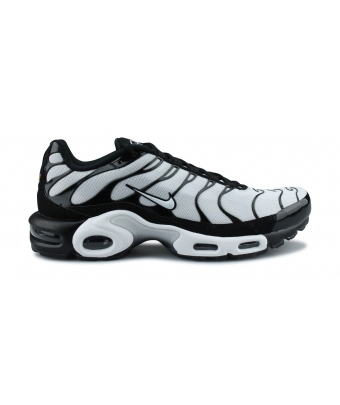 NIKE AIR MAX PLUS NOIR 852630-032