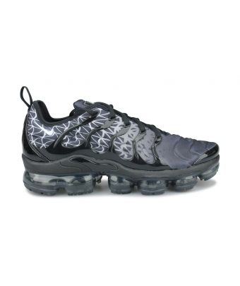 NIKE AIR VAPORMAX PLUS NOIR 924453-017